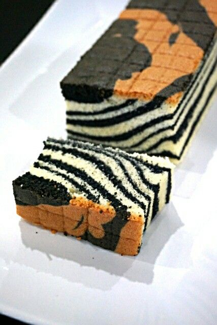 Charcoal  ogura  cake