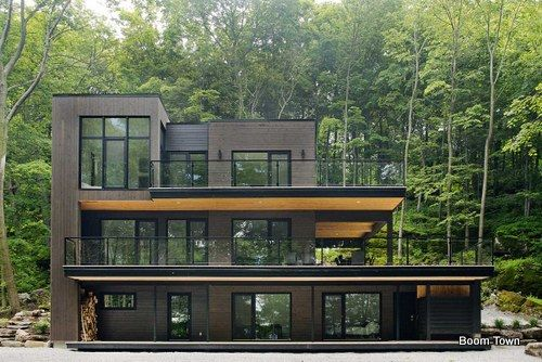 Lago y bosque crean ambiente único y frío en chalet moderno de Canada BOOM-TOWN arquitectos