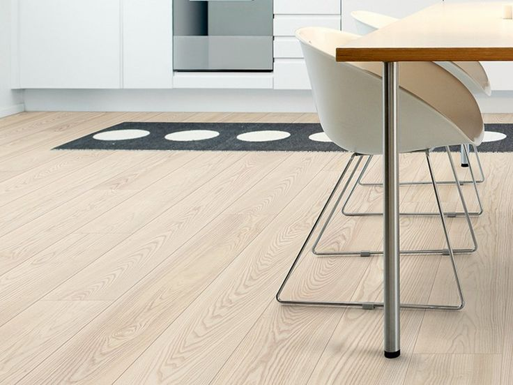 Laminate flooring with wood effect NATURAL ASH - Pergo
