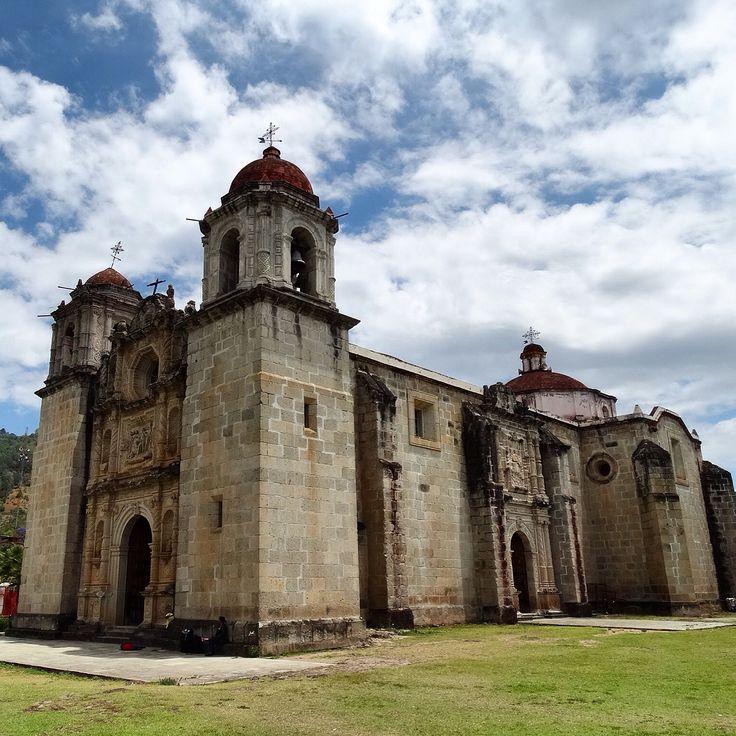 Templo de Santo Tomás  Apóstol. Ixtlán de Juárez