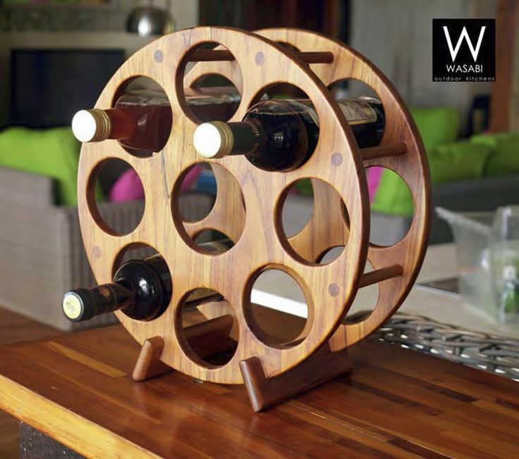 Bagaimana cara menyimpan sembilan botol anggur di tempat yang kompak? Dengan W-Homes Counter Top rak anggur tentu saja. Barang yang praktis ini sangat kuat dan mudah untuk menampung sembilan botol penuh sekaligus. Setiap lingkaran terbuat dari tiga lapis kayu, dan kedua lingkaran itu digabung dengan beberapa dowels dan kaki, jadi kekuatan dan kestabilannya sangat tinggi. Rak anggur ini memiliki tingkat keahlian terampil yang tinggi dalam barang yang kecil. Material menggunakan kayu jati dan…