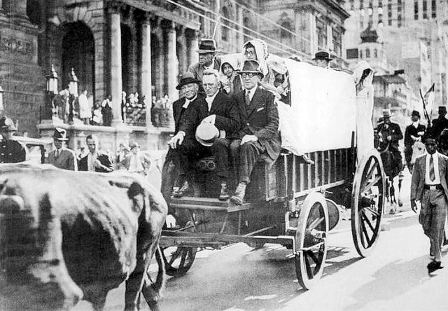 The 1938 Centenary Re-enactment of the Great Trek, passing the City Hall in Darling Street .  It was at this time that D'Urban Road (passing through Goodwood and Parow) was renamed Voortrekker Road.