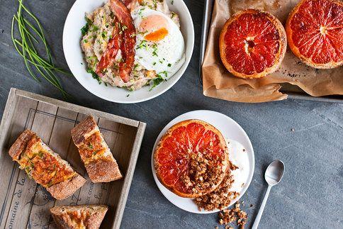 Začněte den teplou snídaní - slaná kaše, kokosová granola či zapečená vejce vás vytáhnou z postele!