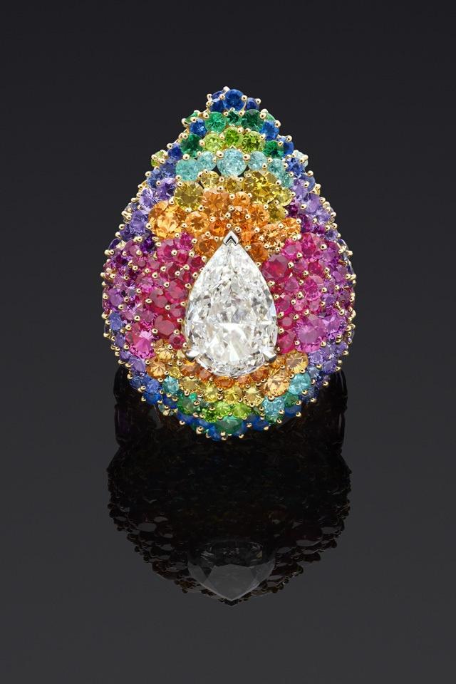 Dear Dior collection, tulle pointillés colorés