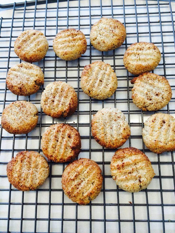 Almond butter biccies