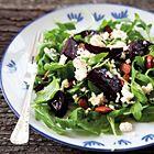 Een heerlijk recept: Bietensalade met rucola en feta van Annabel Langbein