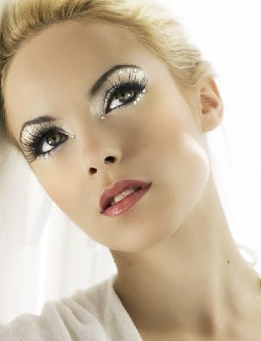 love the eye make-up