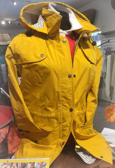 #barbour #raincoat #summer #style #fashion #berkshires #berkshirestyle #kenverexperience