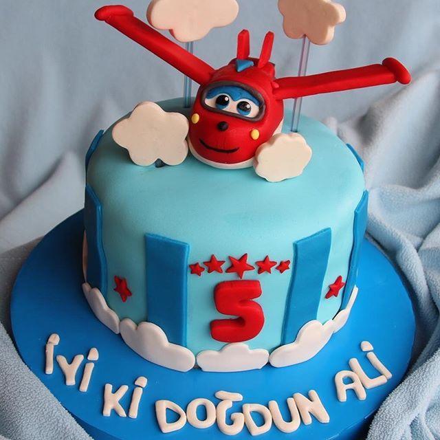 İyi doğmuş küçük adam  Nice sağlıklı mutlu yaşların olsun!  harika kanatlar, harika kanatlar pasta, super wings cake, şeker hamuru pasta, doğum günü pastası, birthday cake. #harikakanatlar #superwings #şekerhamuru #pasta #doğumgünü #dogumgunupastasi #queenshomemadefoods  #foodporn #foodphotography @queenshomemadefoods @berna_de