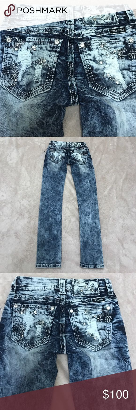 NWT Miss Me Rhinestone Signature Straight Jeans New With Tag. Style# JE8458TA. Color VTG 58. Miss Me Signature Straight Jeans. 98% cotton 2% elastane. Size 23. Waist laying flat 13'. Rise 6'. Inseam 31'. I do bundles also give me your best offer please check some of my items you might find what you are looking for in good quality and very affordable price Miss Me Jeans Straight Leg