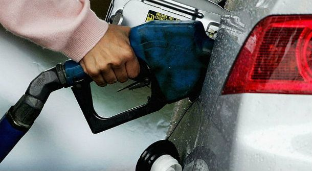 The Petrol Price in South Africa and Around The World (Infographic)