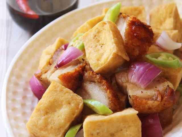 フィリピン★厚揚と焼豚のピリ辛甘酢ソース