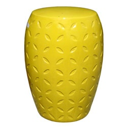 I think every home should have a garden stool.: Ceramics Gardens Stools, Side Tables, Ceramics Stools Sid, Yellow Lattice, Lattice Ceramics, Yellow Gardens, Plants Holders, Small Guest Rooms, Bedrooms Inspiration