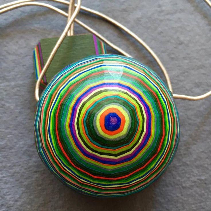 #sonocarta #paper #paperart #papercraft #paperlove #art #artworks #creative #creativity #creating #create #design #designer #designs #jewelry #jewels #jewelrygram #jewelrydesign #bijoux #necklace #necklaces #neck #colorful #color #colors #colourful
