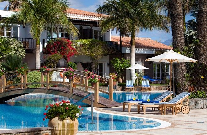 Seaside Grand Hotel Residencia ***** in Maspalomas - your luxury choice for your holidays without children on Gran Canaria. More information on http://adults-only-holidays.com/component/content/article/10?Itemid=13&:hoteles-sin-ninos-grancanaria