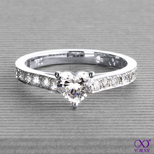 Yorxs No. 9 in white gold with a 0.63 ct. heart-shaped diamond #Yorxs #Verlobungsring