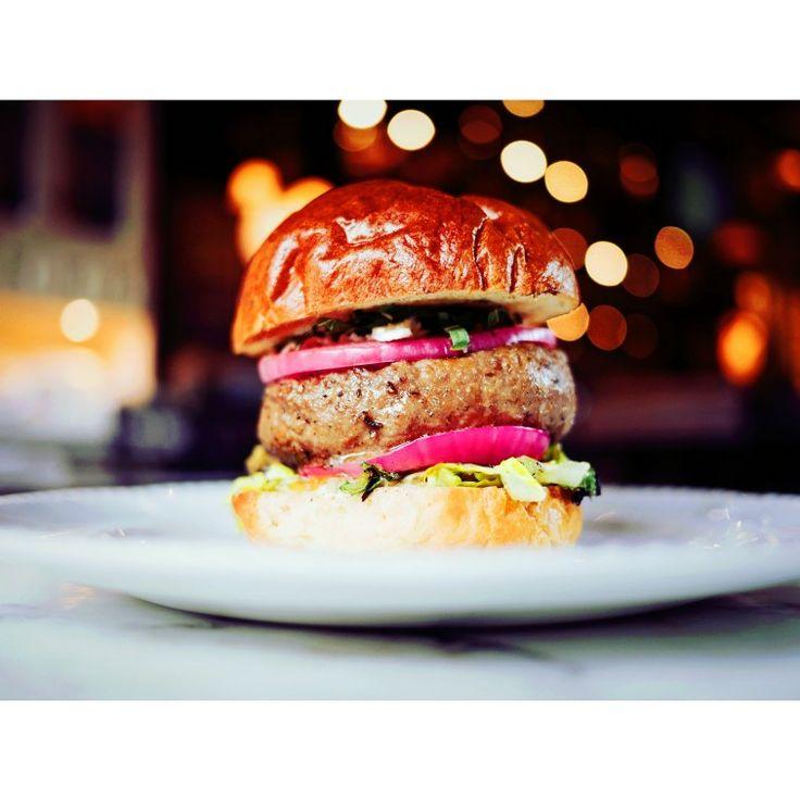 Non devi per forza cucinare piatti eccessivi o complicati: basta buon cibo da ingredienti freschi  #dinner #hamburger #food
