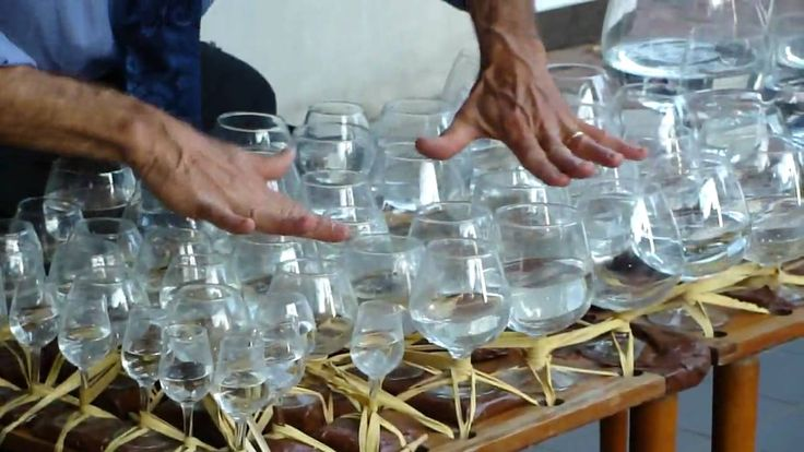 Street Performer Playing #Mozart on Water Glasses #wine   #glass