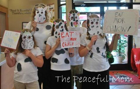 FREE food at Chic-fil-A July 13th when you dress like a cow!--The Peaceful MomFrugal Living, Ideas, Cheapskate 101, July 13Th, Free Food, Chic Fil A July, Gotta Saving, Cows Appreciation, Cows Th Peace