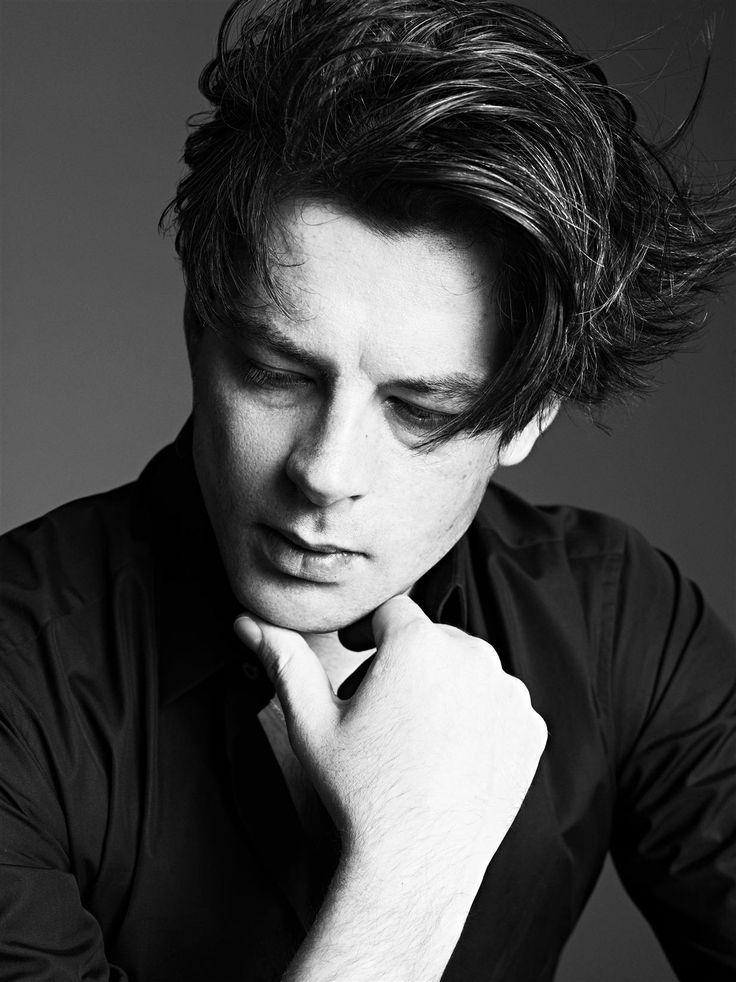 Benjamin Biolay (1973) - Français chanteur, compositeur, musicien, acteur et producteur de disques. Photo par Karim Sadli