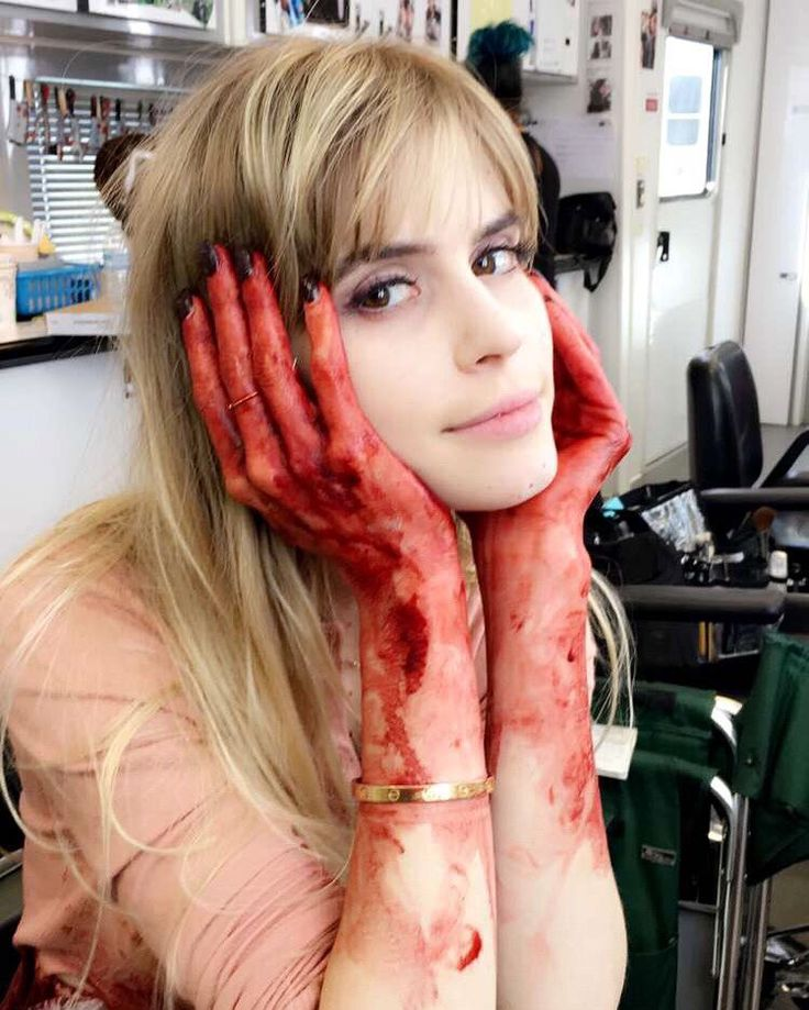 "Carlson Young on Twitter: ""happy @MTVScream day  MTV 11/10c #MTVScream"