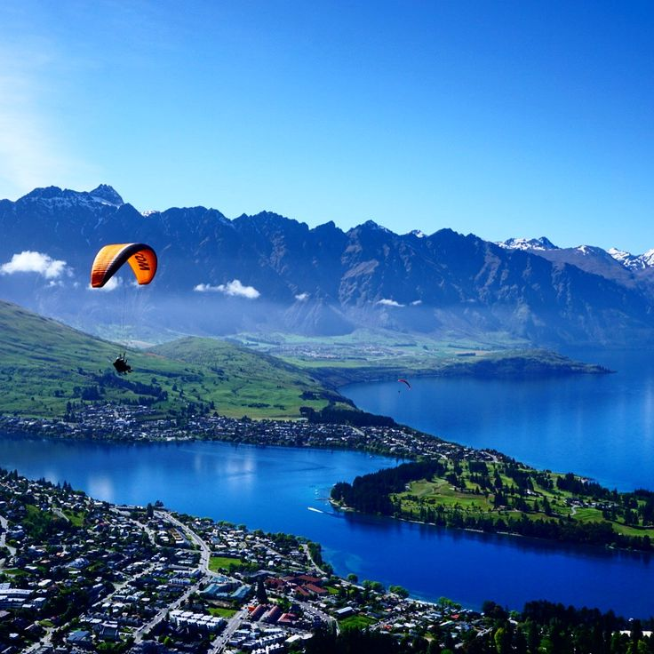 There's no shortage of activities to fill your free time in Queenstown!   #newzealand #activenewzealand #hikingnewzealand #milfordsound #milfordtrack #milford