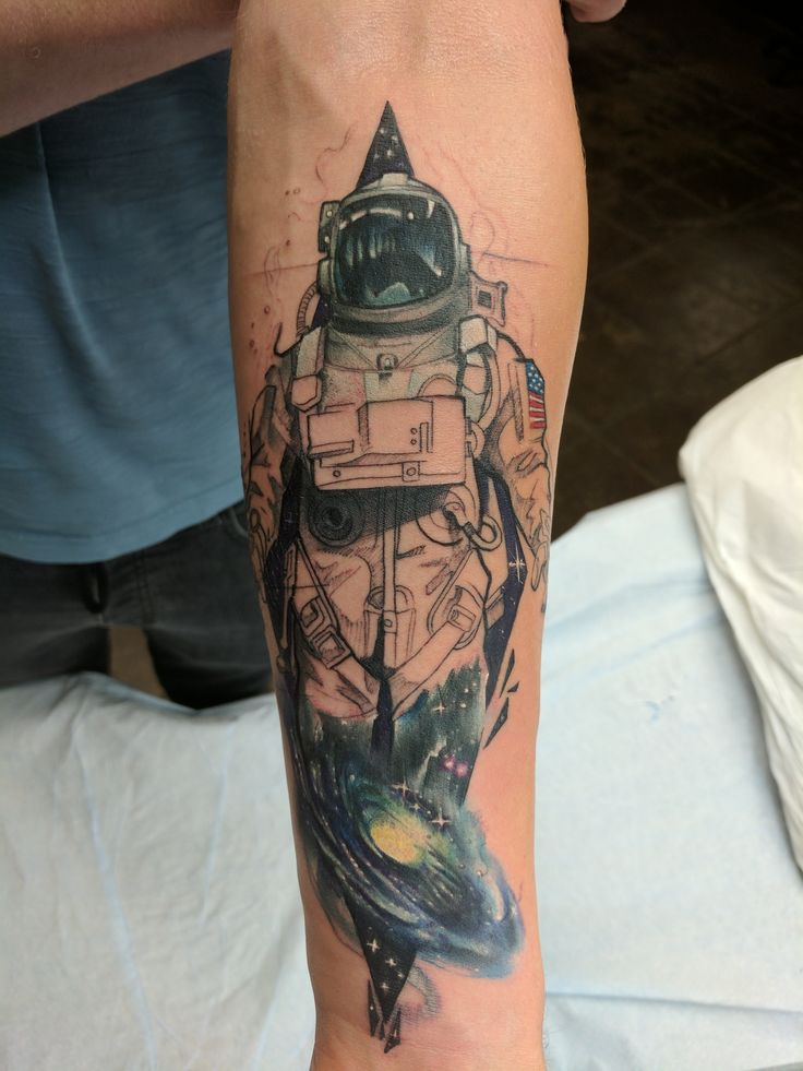 First session of my astronaut tattoo by jorell outer for Outer limits tattoo long beach