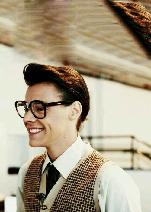 "[ I FORGOT ABOUT BBY MARCEL ] marcel- ""e-everyone notices h-harry but not me..."""