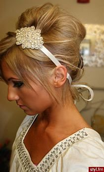 Love the hair...and the head band!!