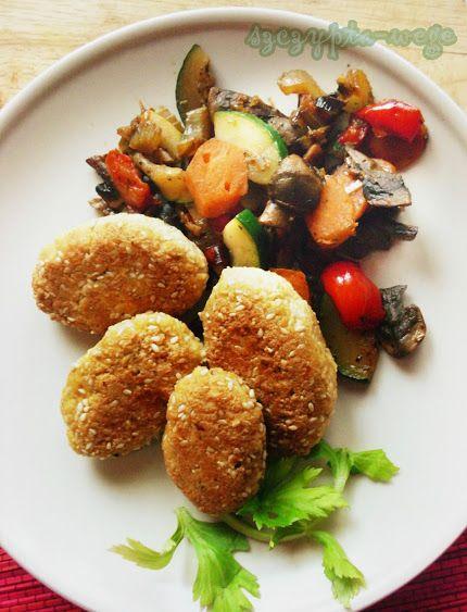 Medaliony (z tofu) z zimowymi warzywami | szczypta-wege przepisy wegańskie i wegetariańskie - zdrowe pomysły na obiad i inne okazje
