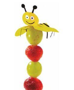 Fruit op een spies - Zomerse bij - Zonnigfruit