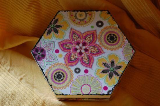 caja en madera y decoupage  madera  papel decoupage,acrílicos y oleos. pintura y decoupage.