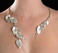 Le collier parfait pour mon mariage (le thème : la forêt)