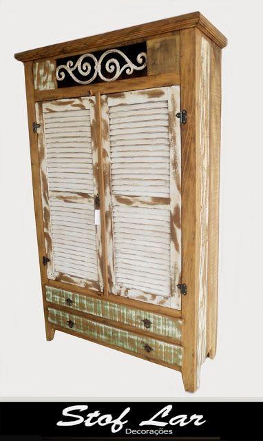 Stof Lar Decorações - Móveis em Madeira de Demolição: - Armário com detalhe em ferro e tinta