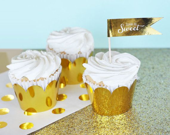 (¨*•.¸(¨*•.¸ *DESCRIPTION*¸.•*´¨) .•*¨) Gold and Silver Foil Cupcake Wrappers are just the finishing touch for your glamorous decor! Just take