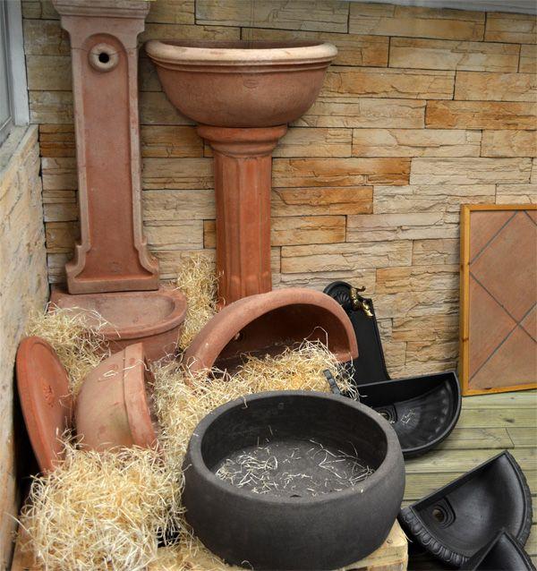 Rendi migliore il tuo spazio all'aperto grazie ai Lavandini da Esterno! - Ghisa | - Cemento | - Cotto http://www.magazzinodellapiastrella.it/lavandini-esterno.php #lavandiniesterno #giardino #lavaboesterno #lavabogiardino #cotto #ghisa #cemento
