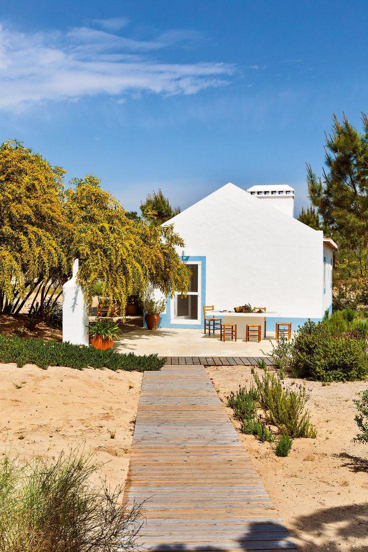 Une cabane de p cheur au portugal portugal cabane de pecheur cabane et portugal - Maison de pecheur portugal ...