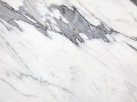 Exklusiva marmorskivor Statuario Venato