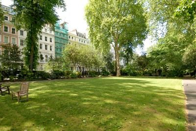 Cornwall Gardens London SW7 #cutlerandbond #londonproperty #gardensquares