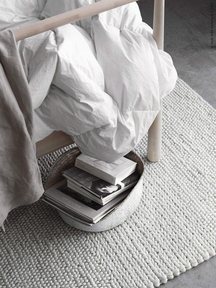 IBSKER matta i ofärgad ull är mjuk och skön att kliva ner på med bara fötter.