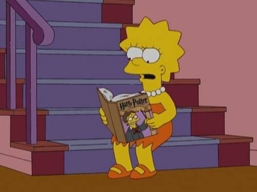 Αγαπημένοι ήρωες διαβάζουν αγαπημένα βιβλία: η Lisa Simpson διαβάζει Χάρι Πότερ :-)