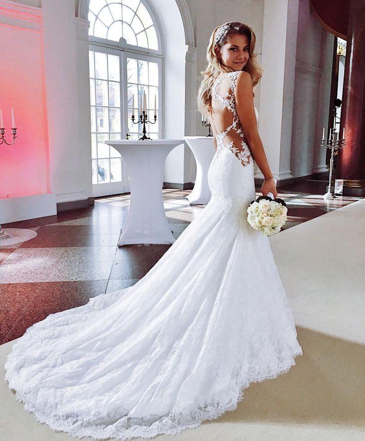 """Gefällt 69.1 Tsd. Mal, 945 Kommentare – VALENTINA PAHDE (@valentinapahde) auf Instagram: """"Endlich kann ich euch das Hochzeitskleid zeigen  Gefällt es euch ? Danke an @mr_tosch für die…"""" – Kreutzer Julia"""