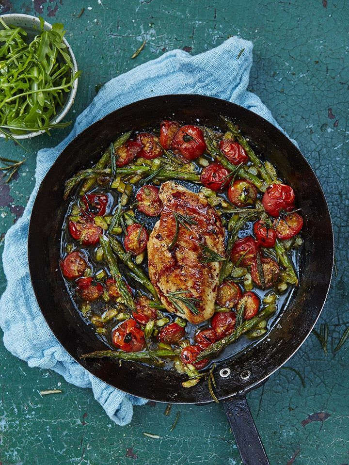 Roasted chicken breast with cherry tomatoes & asparagus. http://jamieol.com/JijwzD