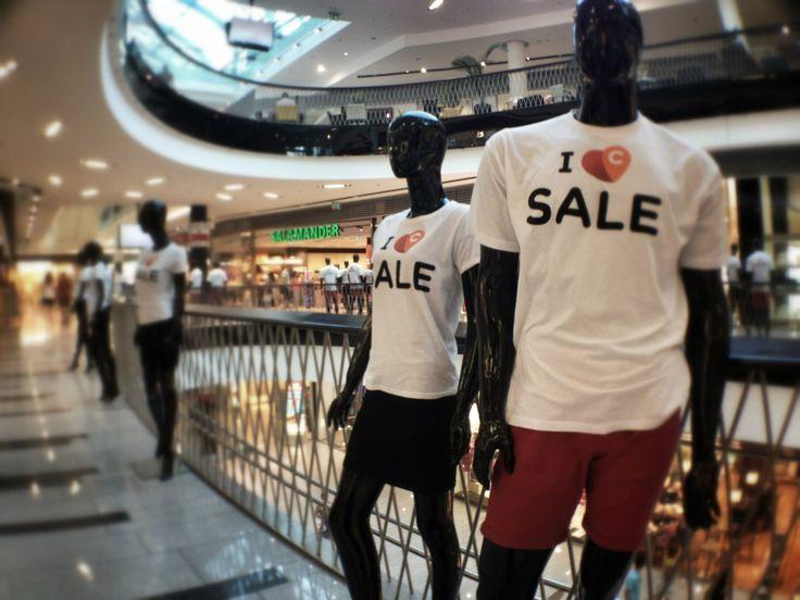 CENTRAL: I <3 SALE. POS mannequins.