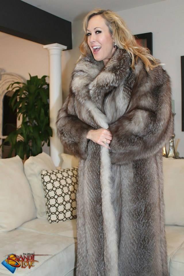 Pin By Robert Vitaglione On Fur Cite 18 Fur Coat Fur