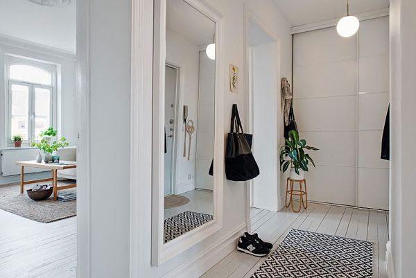 Consejos para aprovechar pasillos y entradas 2 casas y for Espejos hall entrada