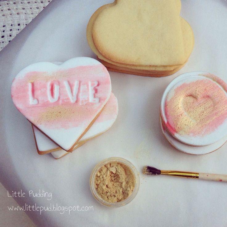 LOVE heart sugar cookies #weddingcookies #valentinesday #cookies #littlepuddingcakes