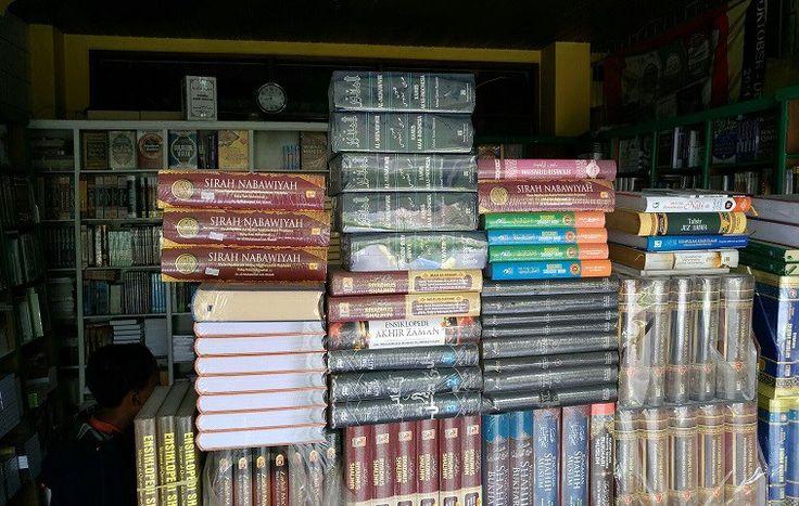 Pustaka Ukhuwah Malang: Toko Buku Islam dengan Diskon yang Bikin Ketagihan