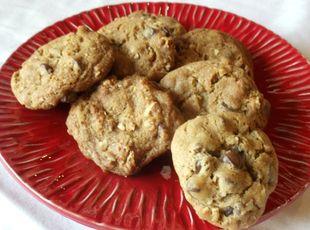 Nutty Chocolate Chip Malt Cookies Překlad: https://translate.google.cz/translate?sl=en&tl=cs&js=y&prev=_t&hl=cs&ie=UTF-8&u=http%3A%2F%2Fwww.justapinch.com%2Frecipes%2Fdessert%2Fcookies%2Fnutty-chocolate-chip-malt-cookies.html&edit-text=