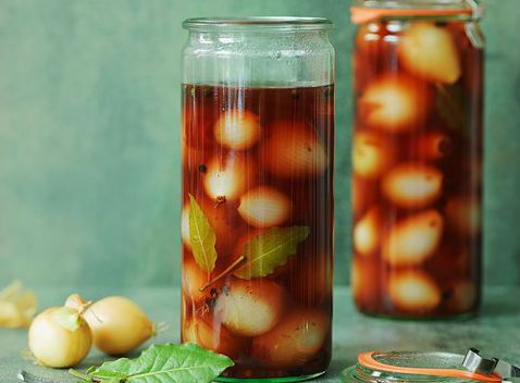 Another tasty preserves to prepare for the winter or for those evenings when you have little desire to cook; excellent accompaniment to roasted or boiled meat. #Pickled #spring #onions